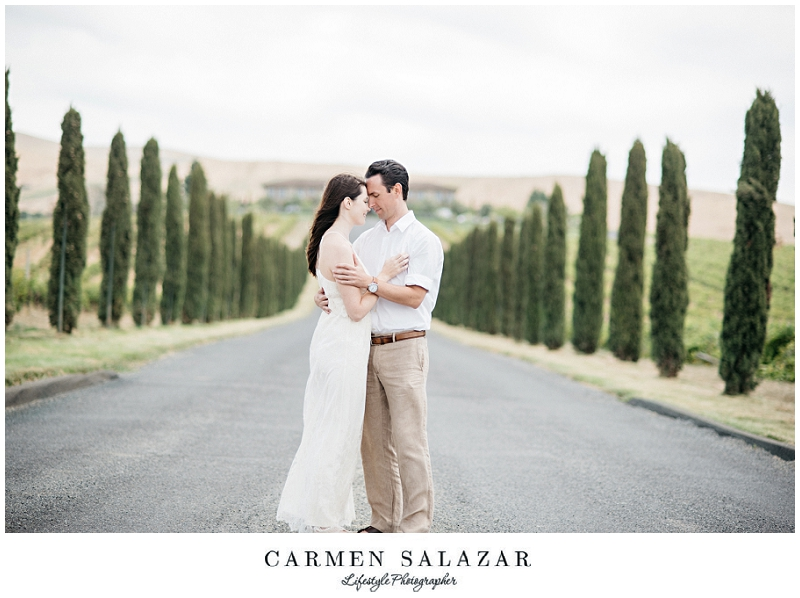 english garden Engagement Session by Carmen Salazar