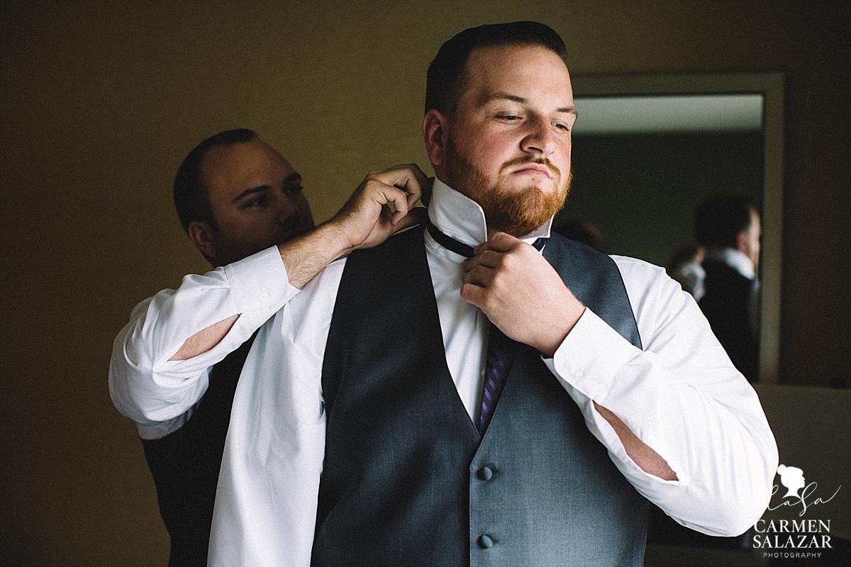 Emotional groom getting ready - Carmen Salazar