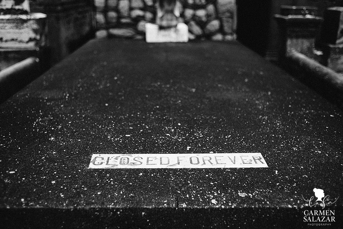 Black and white Mausoleum photo by Carmen Salazar