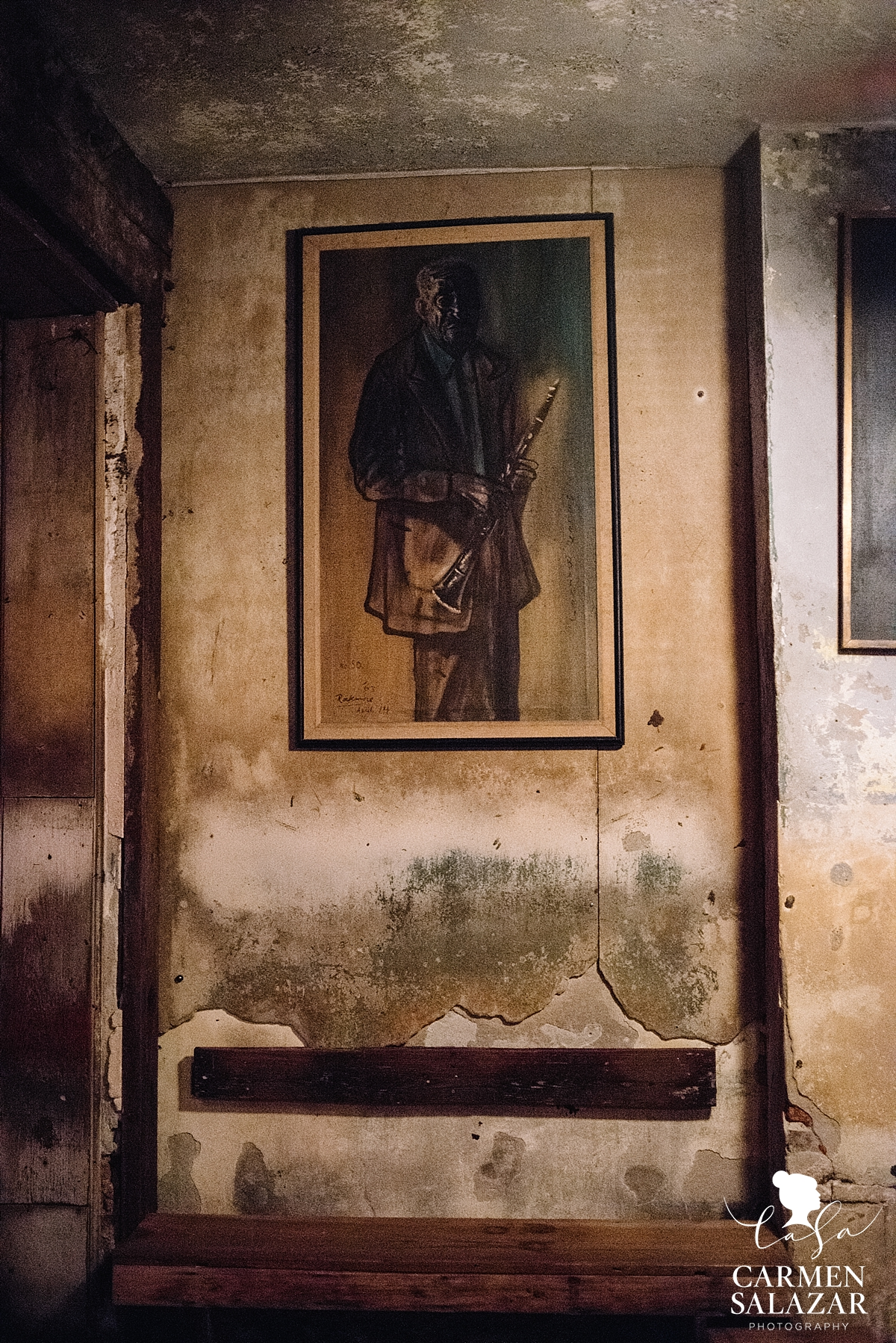 Interior photo of Preservation Hall in New Orleans by Carmen Salazar
