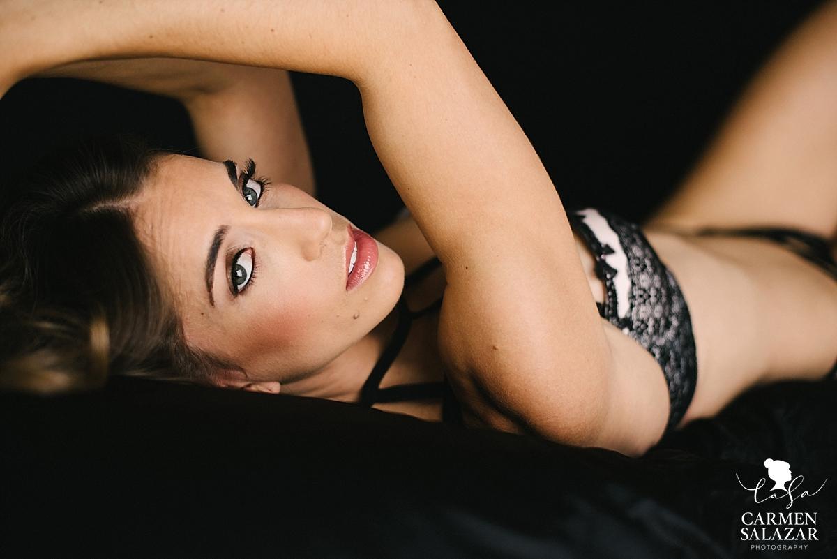 sultry boudoir portraits