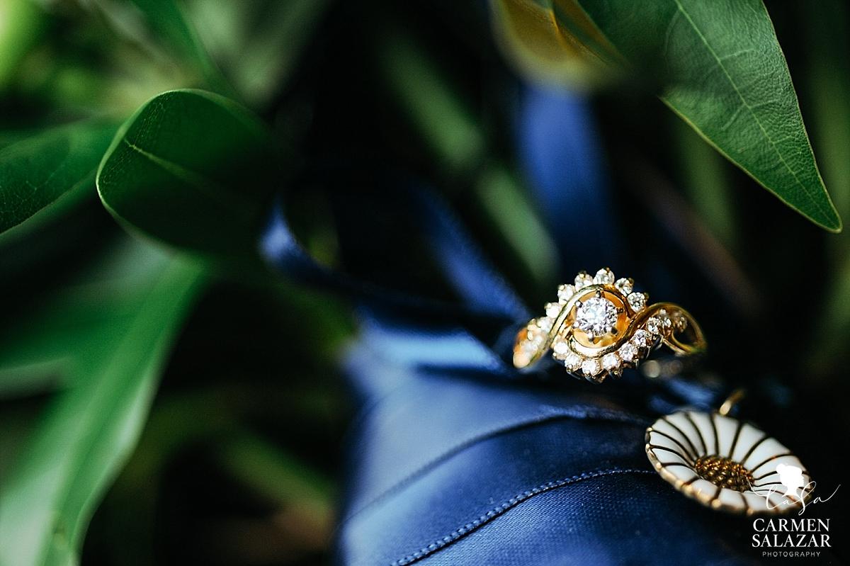 Sentimental wedding day accents - Carmen Salazar