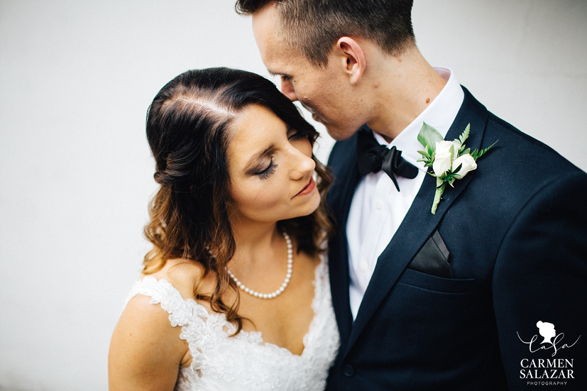 Initimate bride and groom photography Sacramento - Carmen Salazar
