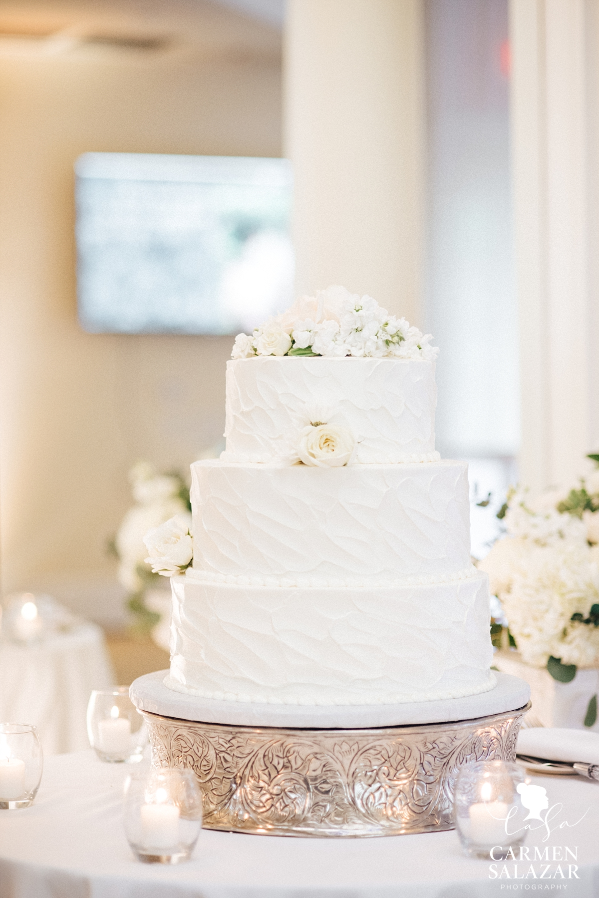 Elegant white wedding cake- Carmen Salazar