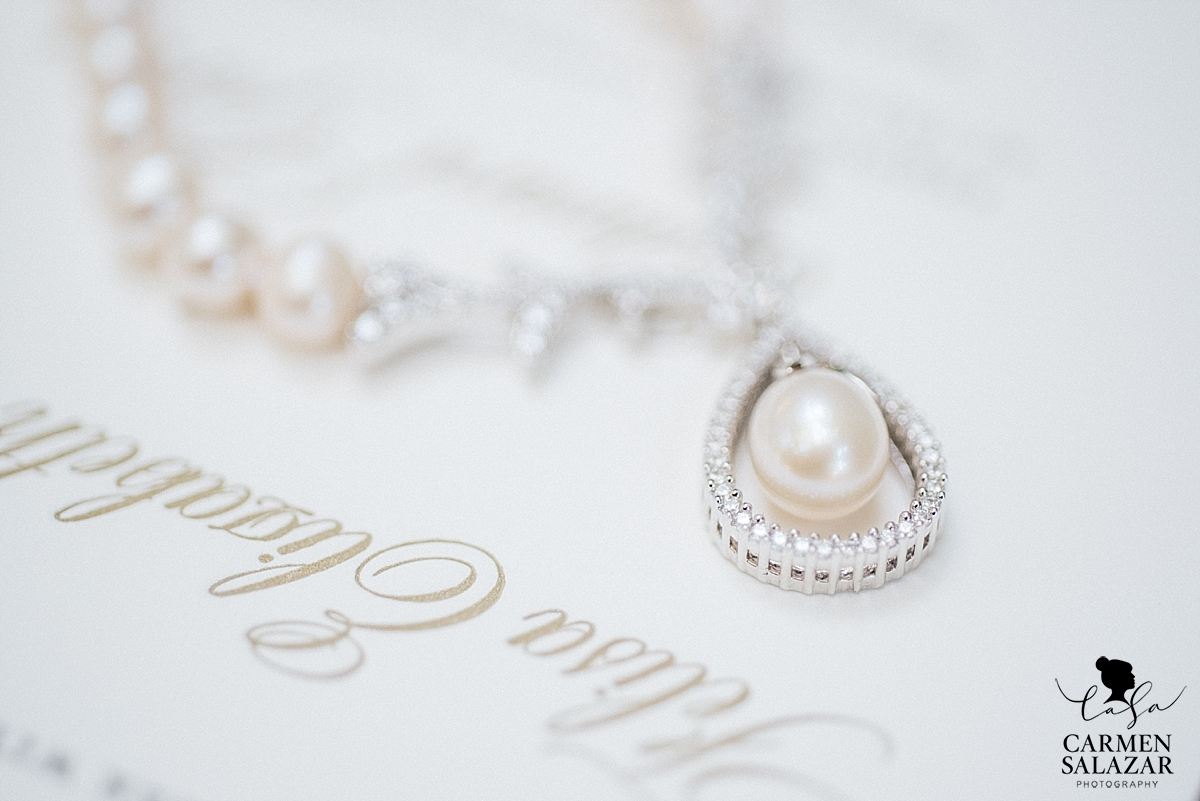 Elegant vintage wedding jewelry - Carmen Salazar