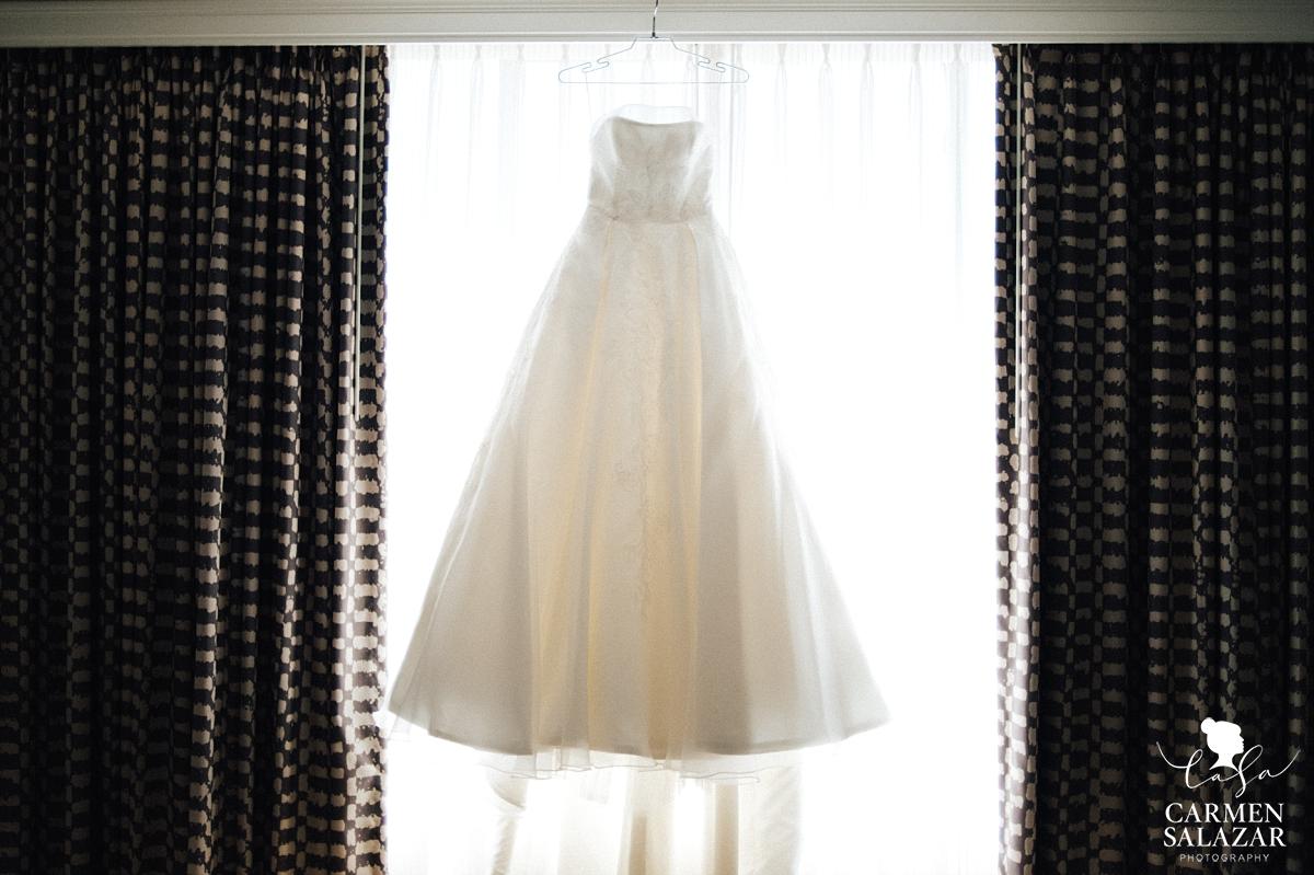 Classic empire bridal gown - Carmen Salazar