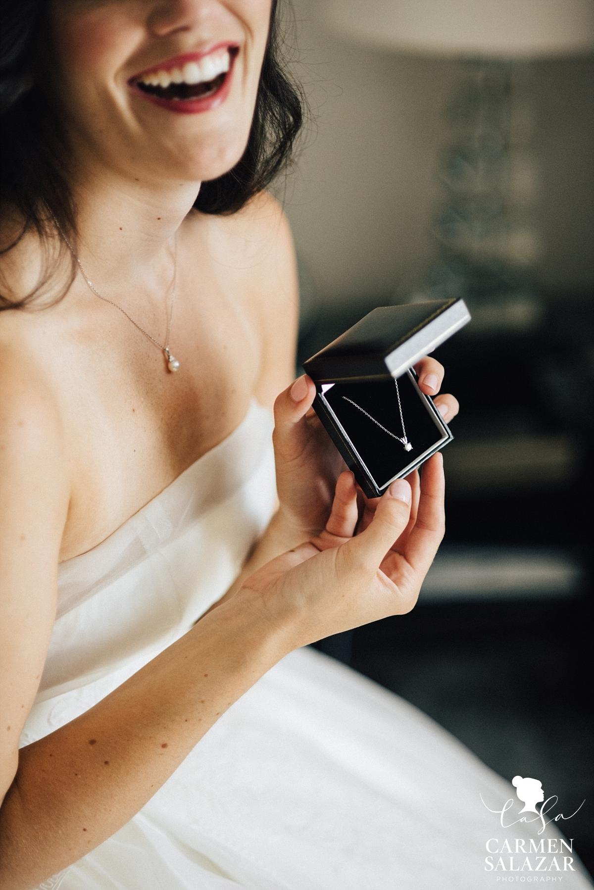 Romantic wedding day surprise gift - Carmen Salazar