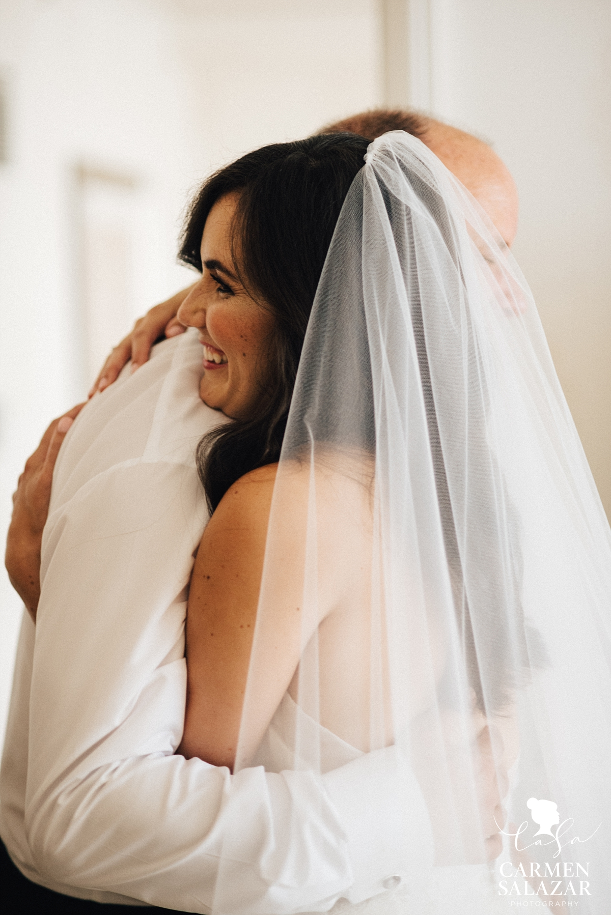 Father seeing the bride for the first time - Carmen Salazar