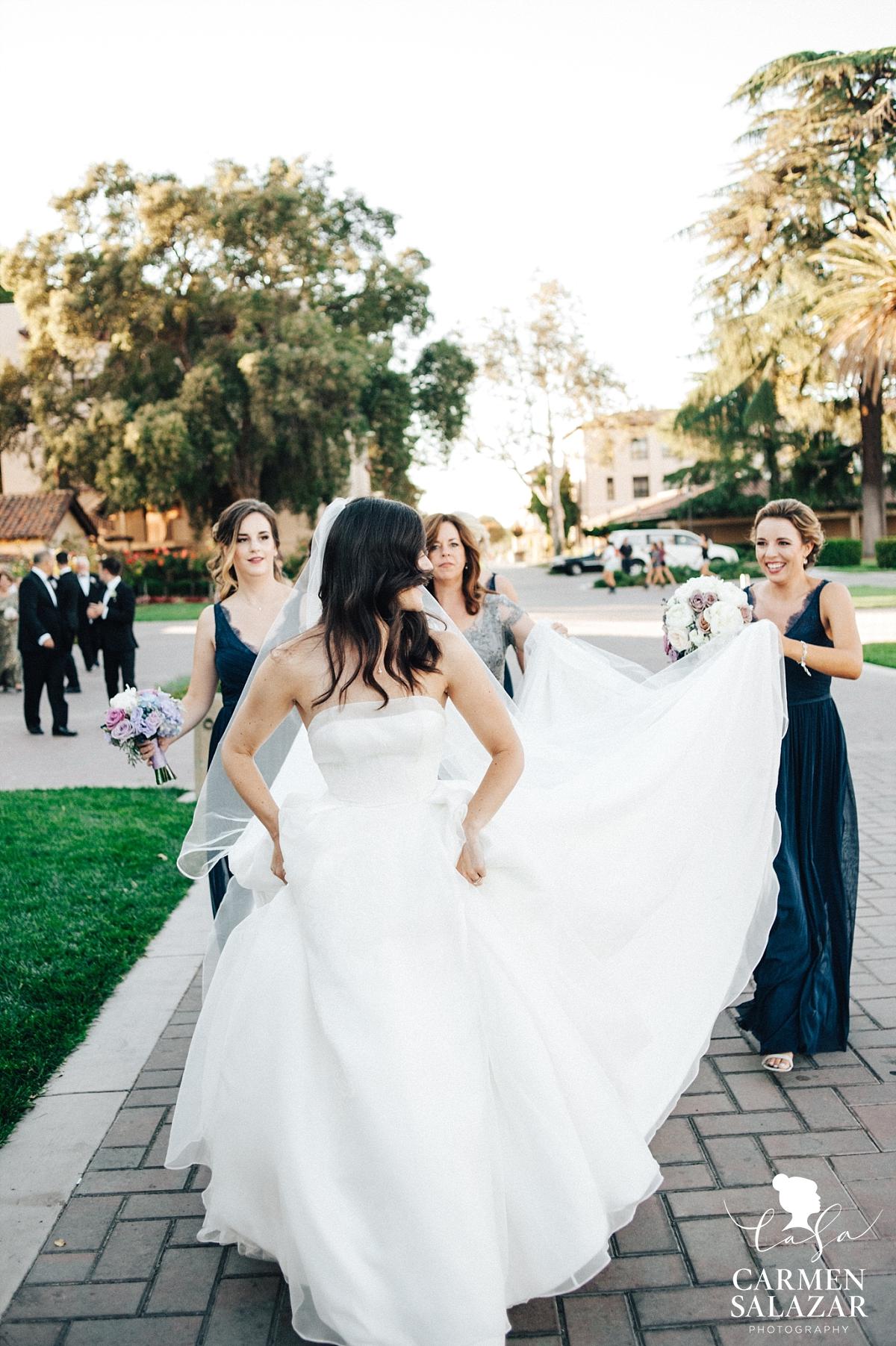 Gorgeous princess gown walking to reception - Carmen Salazar