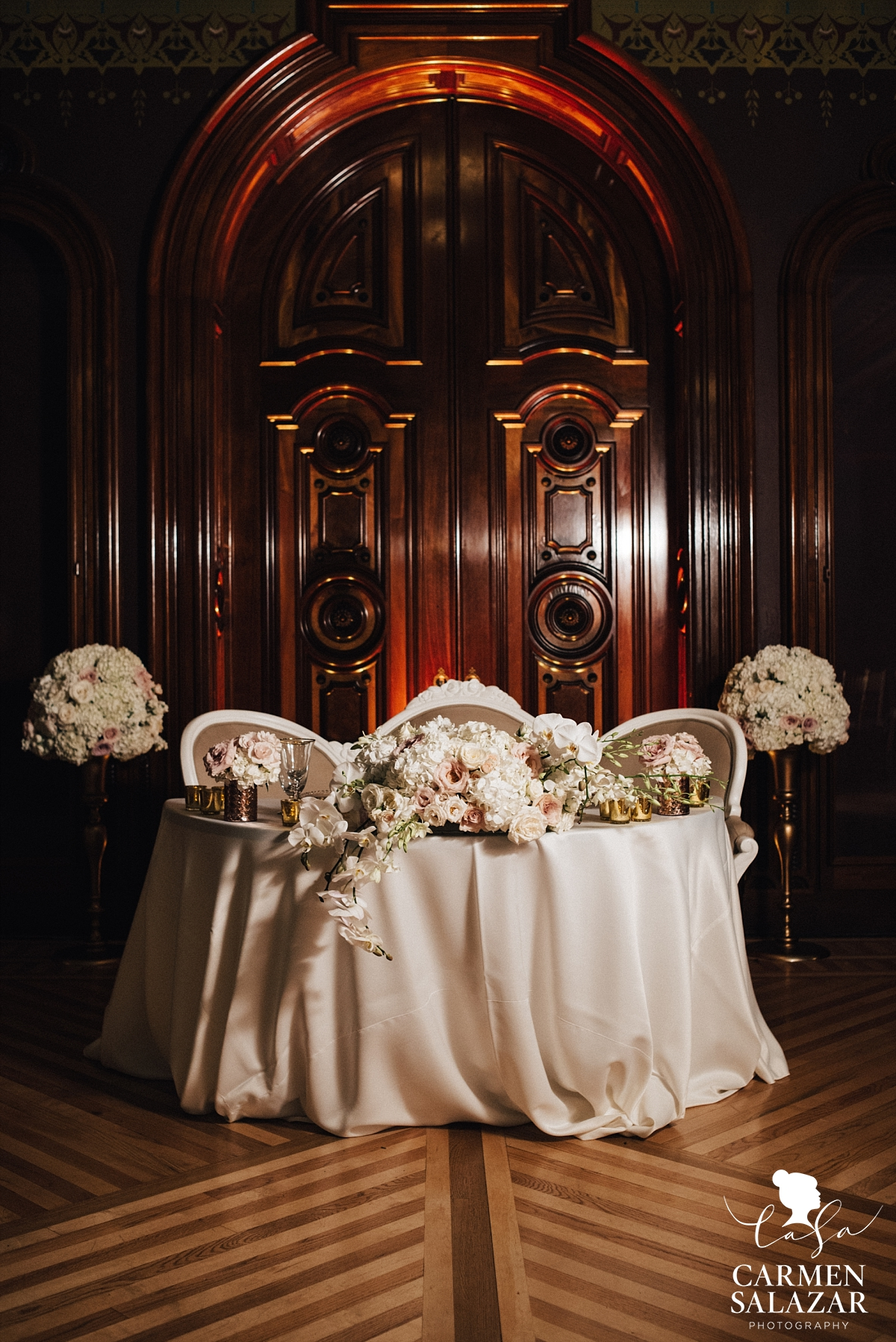 Elegant bride and groom head table - Carmen Salazar