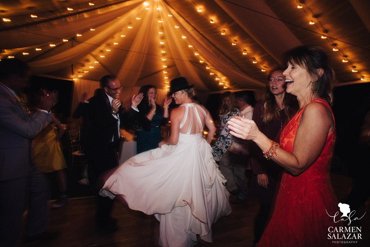Amazing dance moves from the bride at outdoor reception - Carmen Salazar
