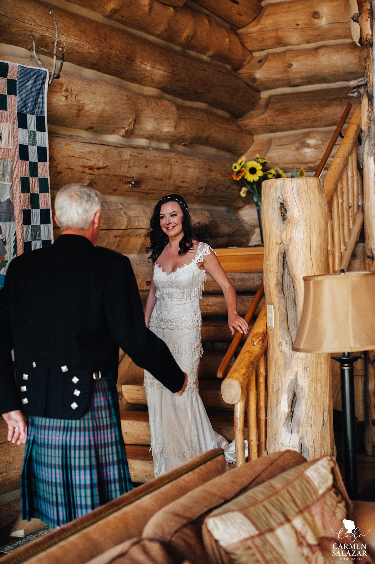 Bride seeing father before ceremony - Carmen Salazar
