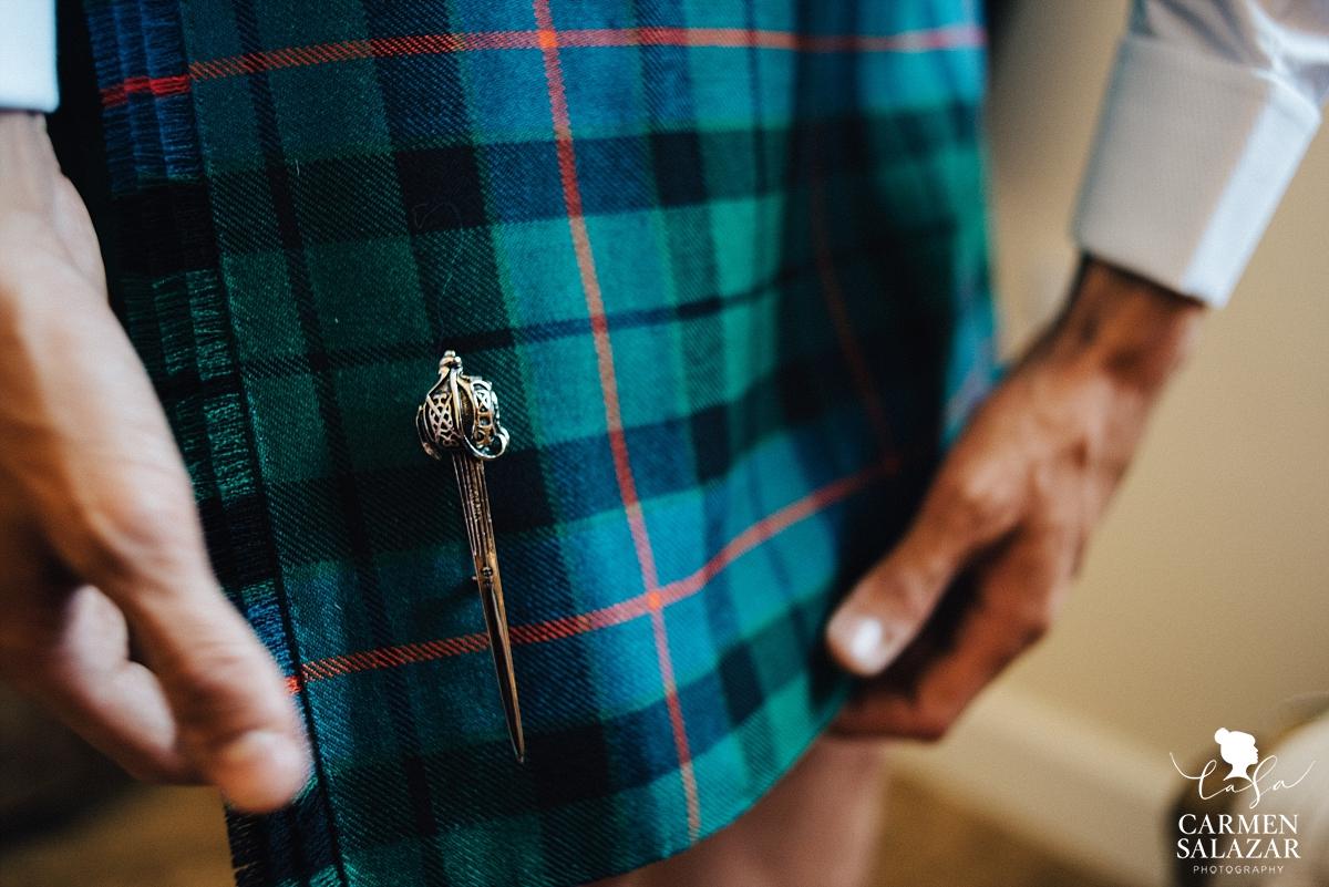 Ornate wedding kilt pin detail - Carmen Salazar