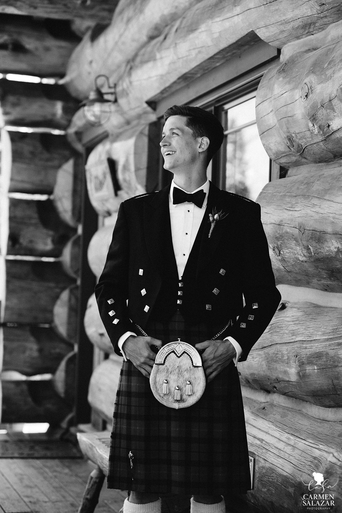Classic Scottish groom in rustic Tahoe cabin - Carmen Salazar