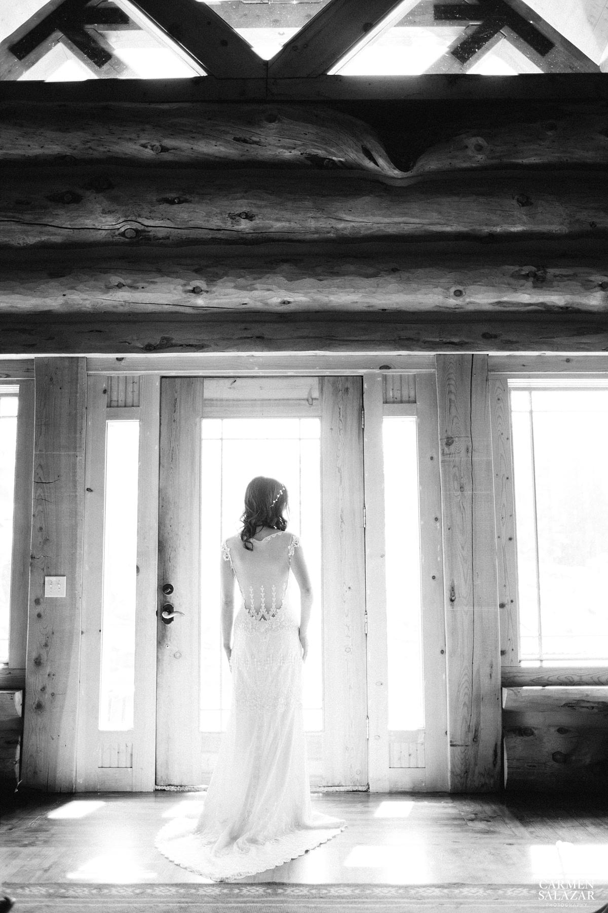 Dreamy vintage bride silhouette - Carmen Salazar