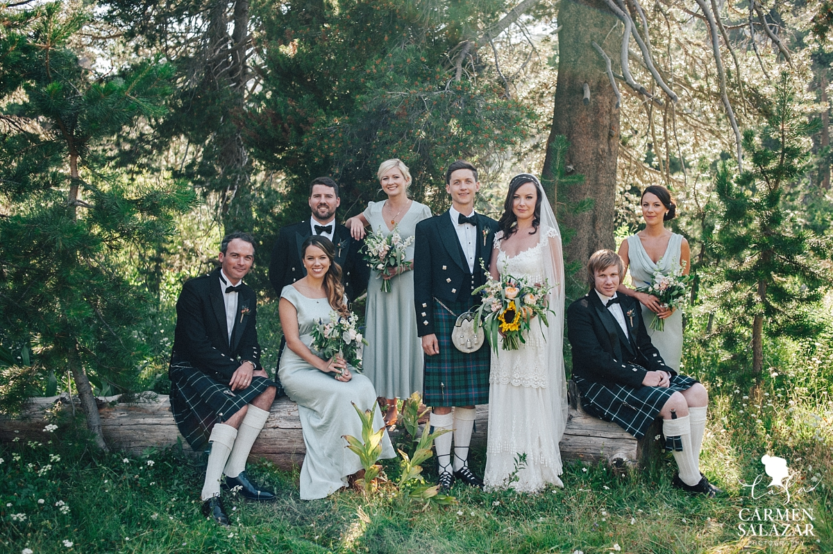 Charming Scottish wedding party at The Hideout - Carmen Salazar