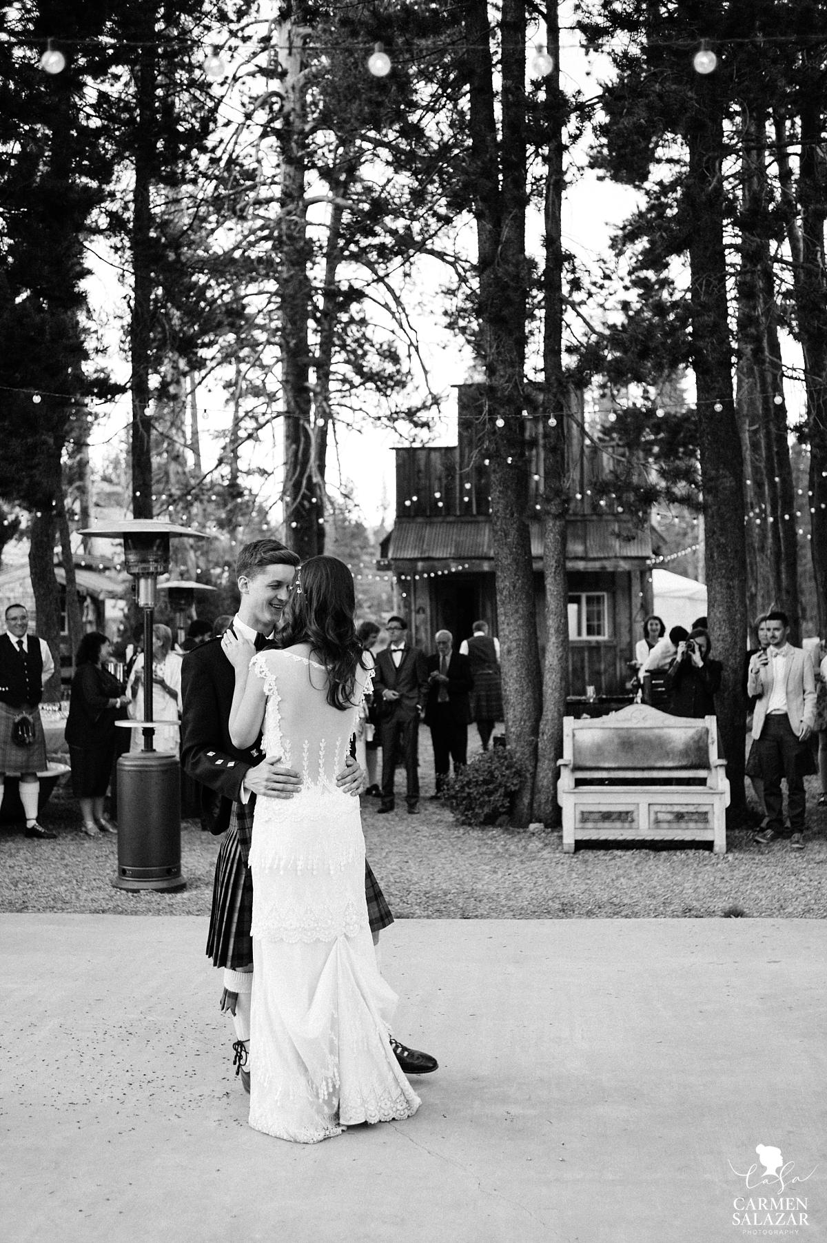 Vintage fairytale wedding reception in the woods - Carmen Salazar