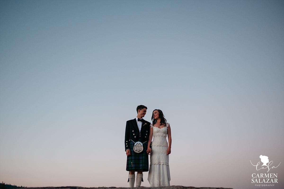 Hideout bride and groom sunset portraits - Carmen Salazar