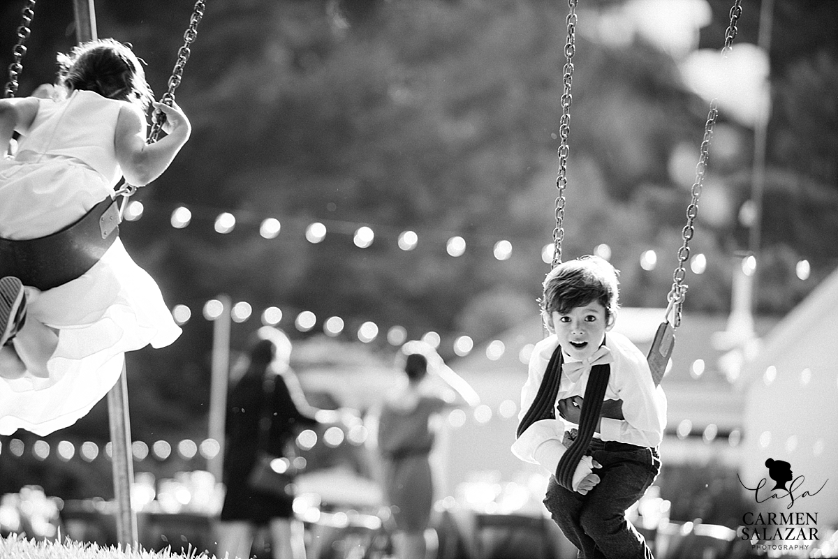 Perfect swings for child wedding guests - Carmen Salazar