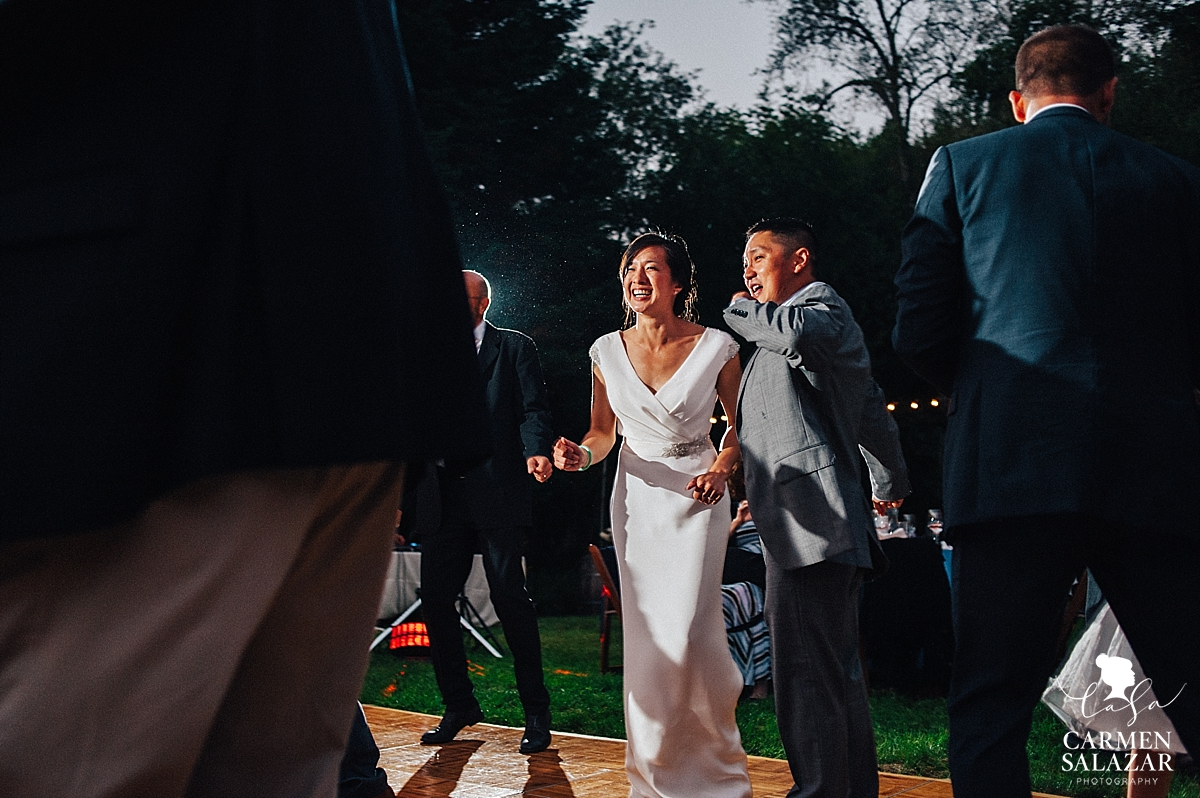 Fun wedding dance floor candid photography - Carmen Salazar