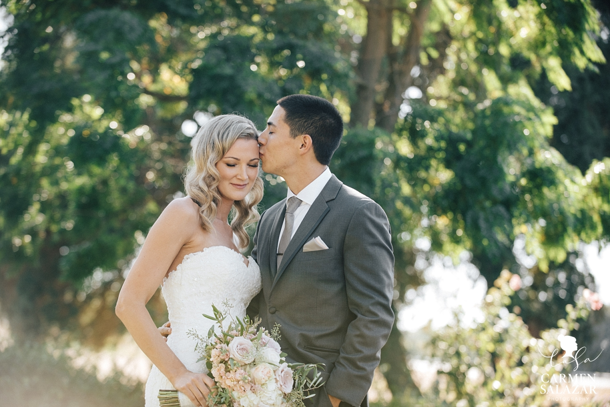 Outdoor backlit bride and groom portraits - Carmen Salazar