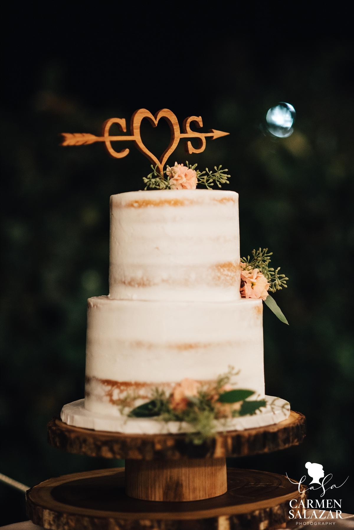 DIY wood cake topper on modern wedding cake - Carmen Salazar