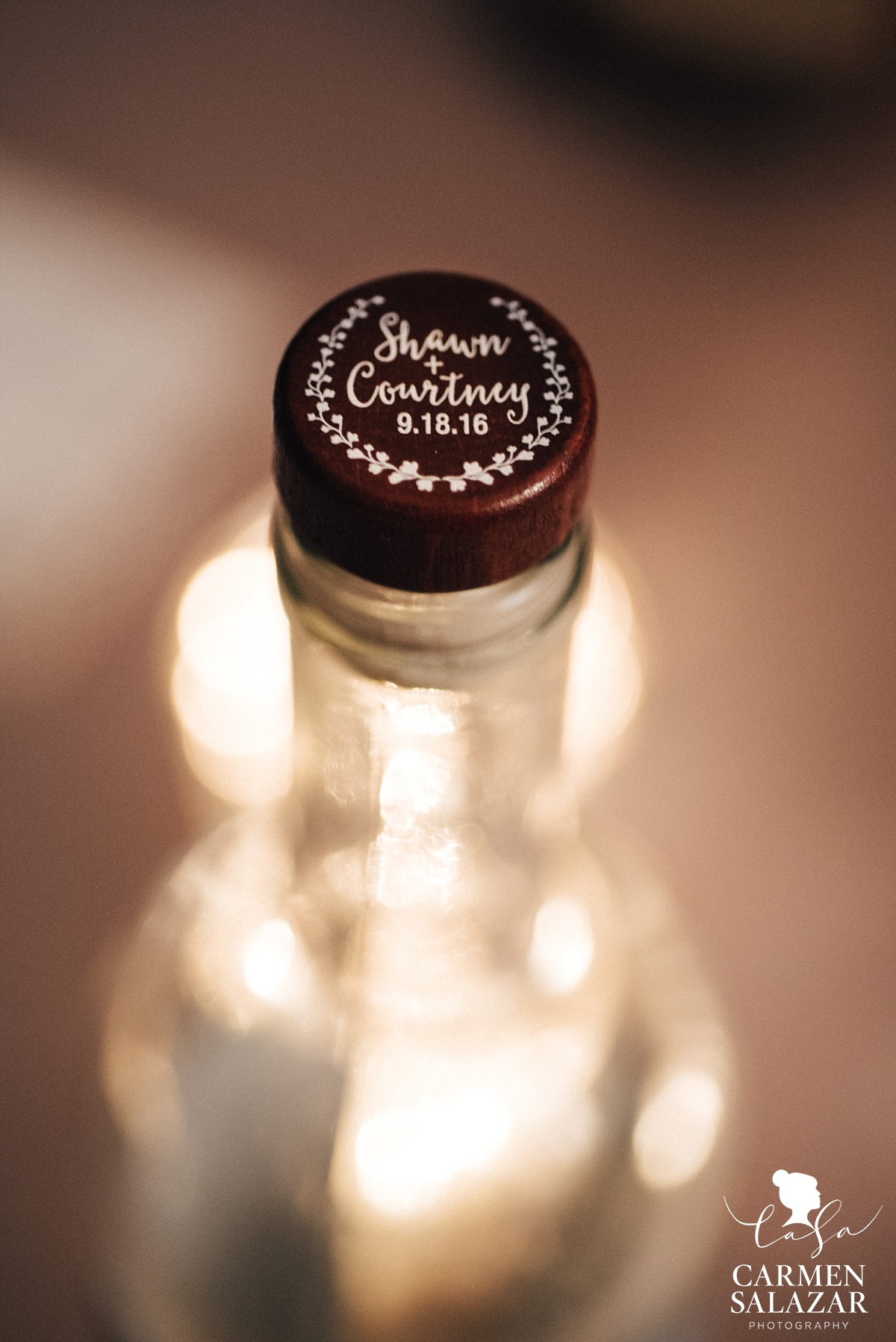 Personalized wedding wine topper favors - Carmen Salazar
