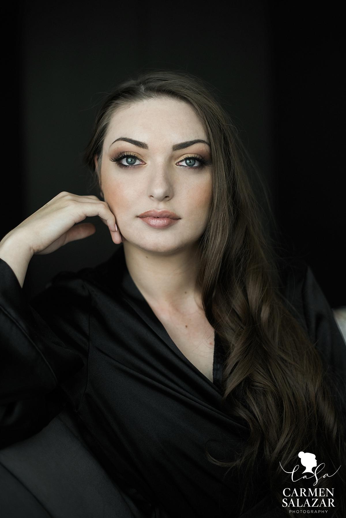 Radiant neutral palette boudoir makeup - Carmen Salazar