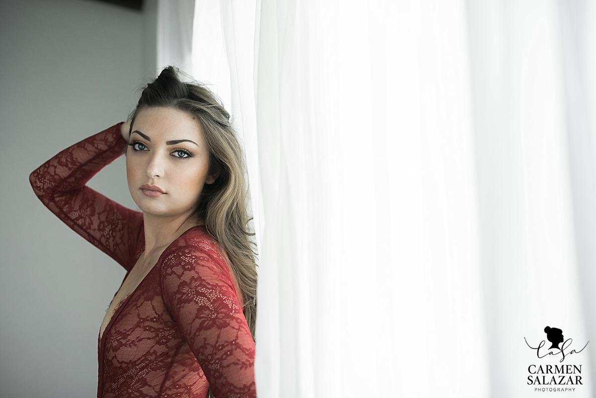 Sexy and soft neutral boudoir photography - Carmen Salazar