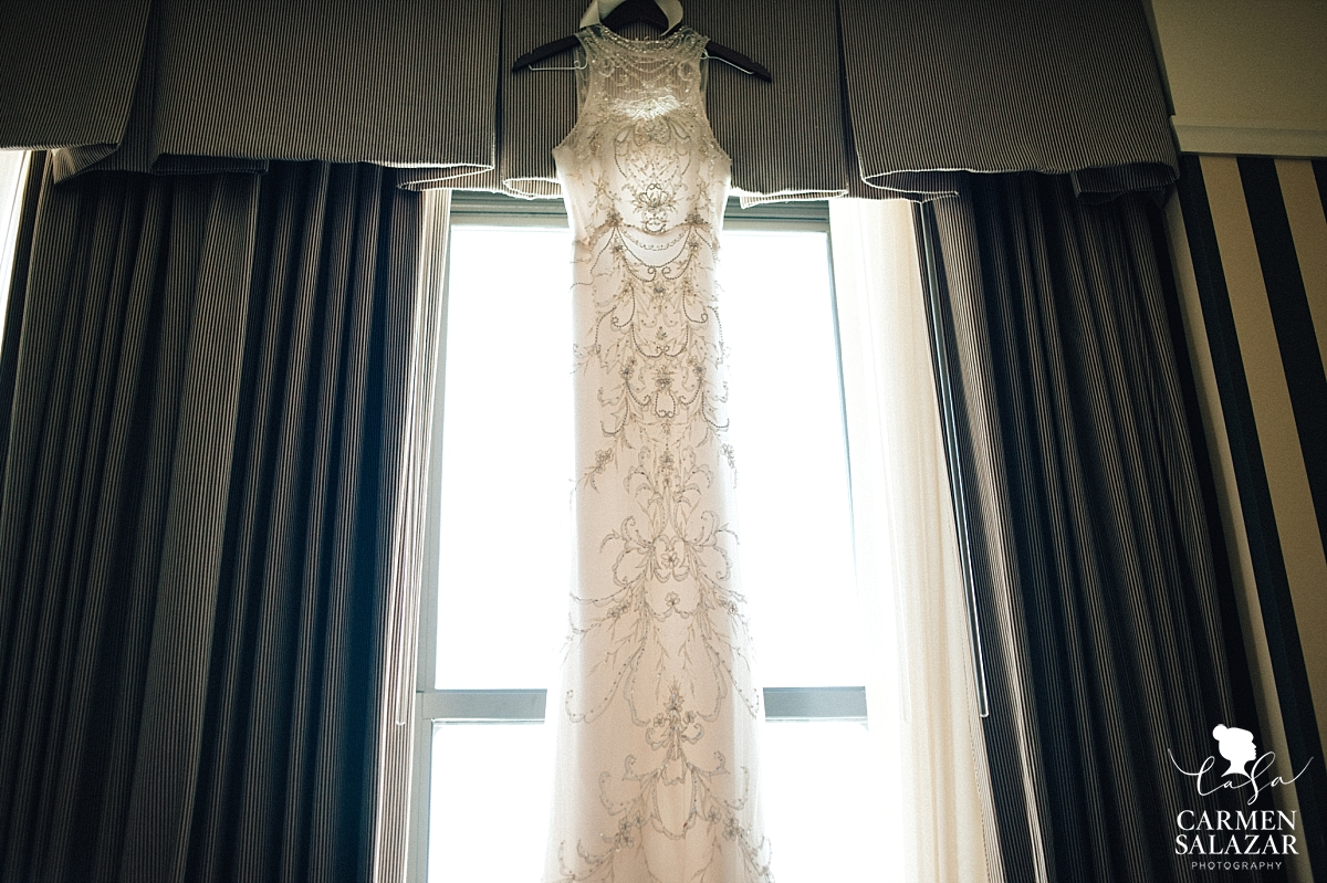 Beautiful vintage glamour wedding gown - Carmen Salazar