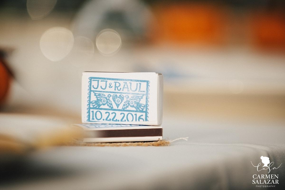 DIY stamped wedding matchbox favors - Carmen Salazar