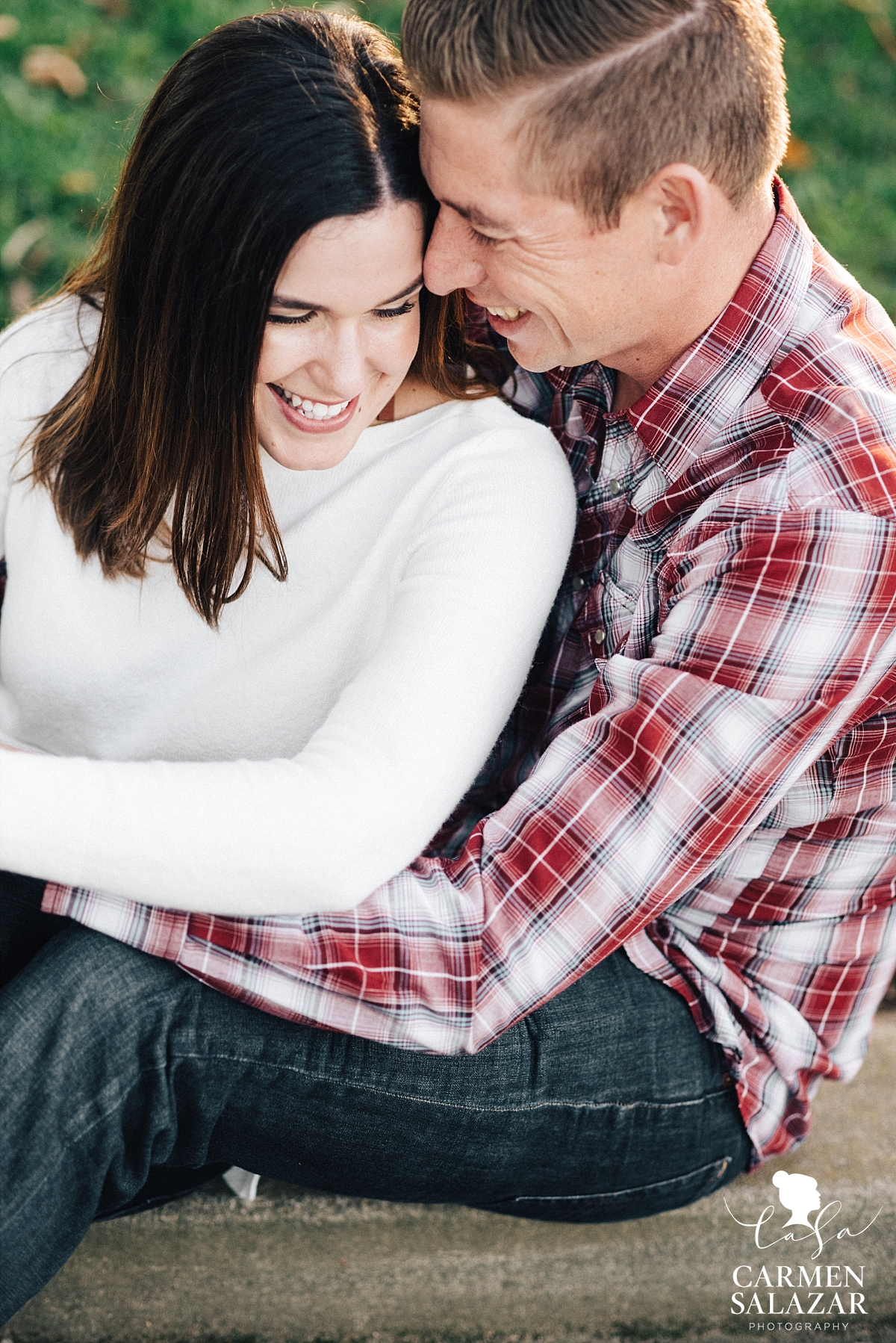 Romantic and casual engagement photography - Carmen Salazar