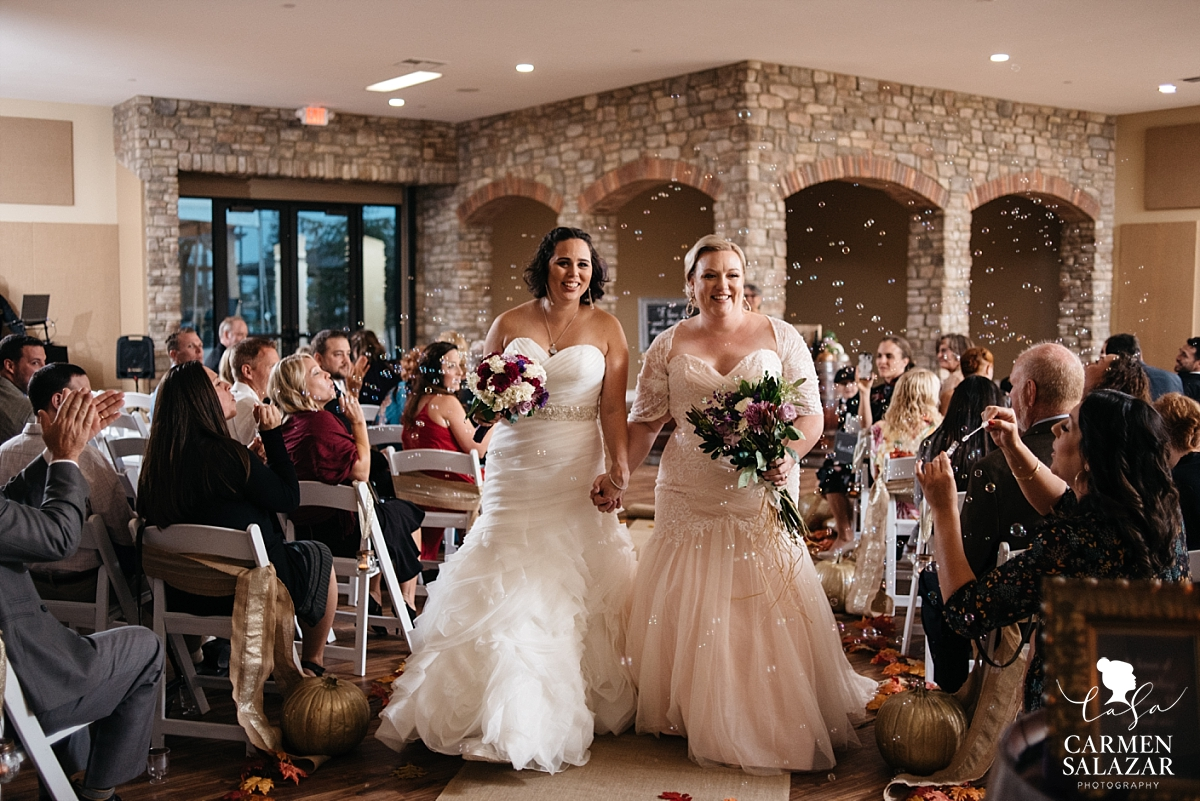 Newlywed bubble aisle walk at Leer Vineyards - Carmen Salazar
