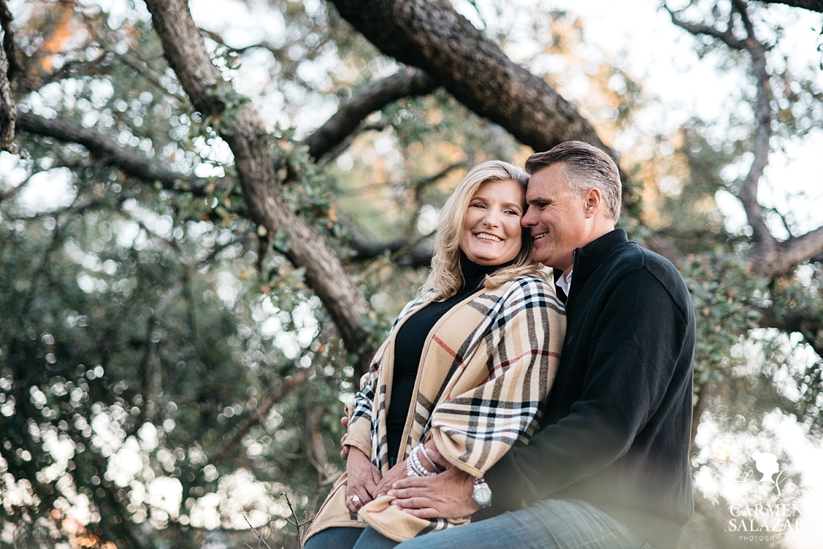 Cozy winter Sacramento engagement session - Carmen Salazar