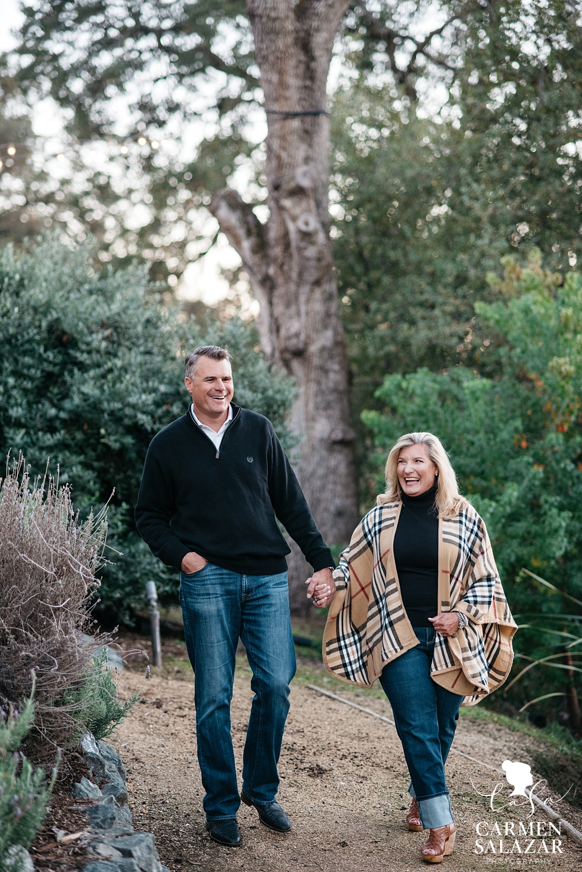 Winter outdoor engagement photography - Carmen Salazar
