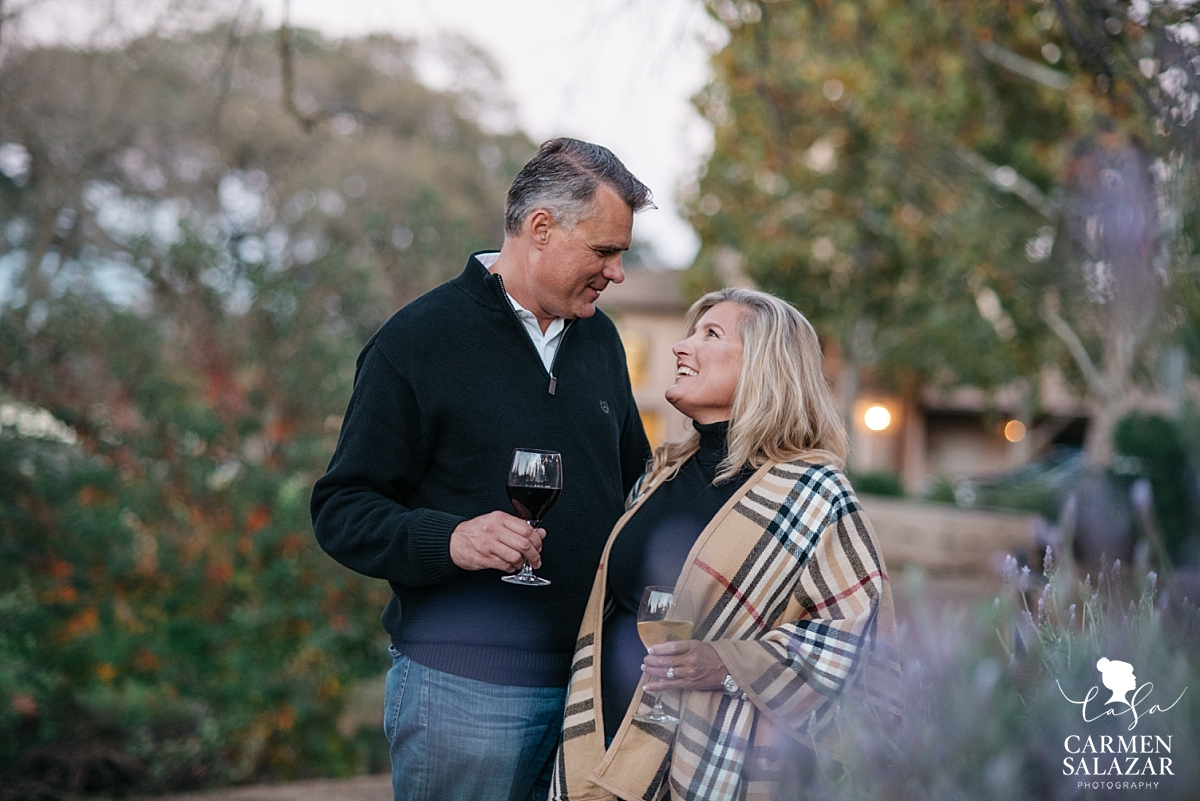 Wine lover engagement photography - Carmen Salazar