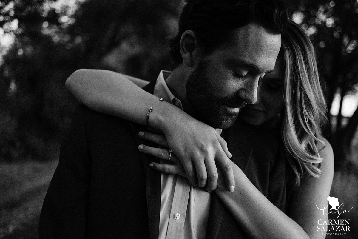 Emotional and moody engagement photography - Carmen Salazar