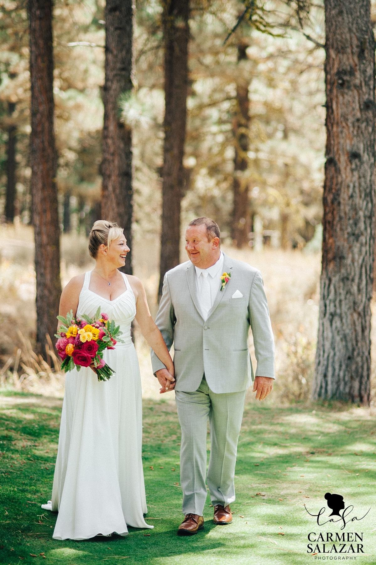 Chalet View Lodge DIY summer wedding - Carmen Salazar