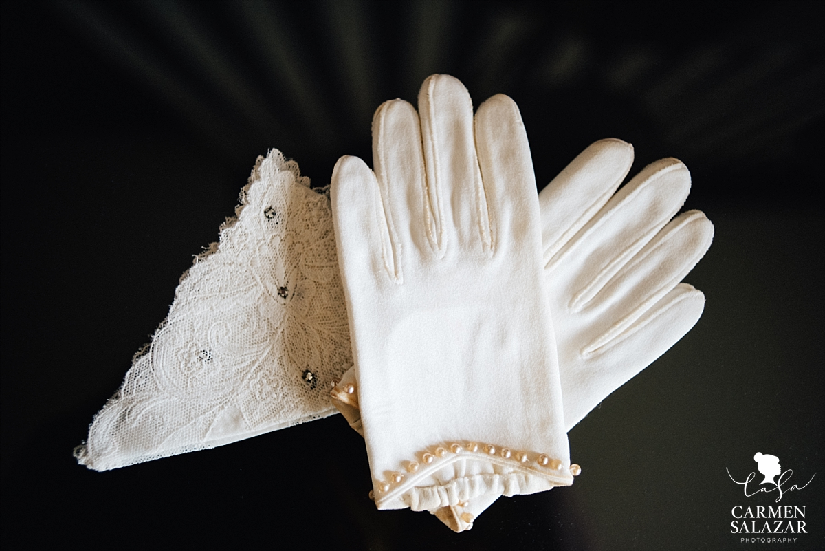 Vintage winter bridal accessories - Carmen Salazar