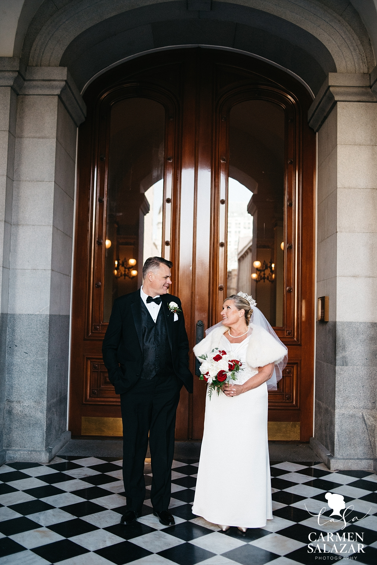 Historic Capitol building wedding photography - Carmen Salazar
