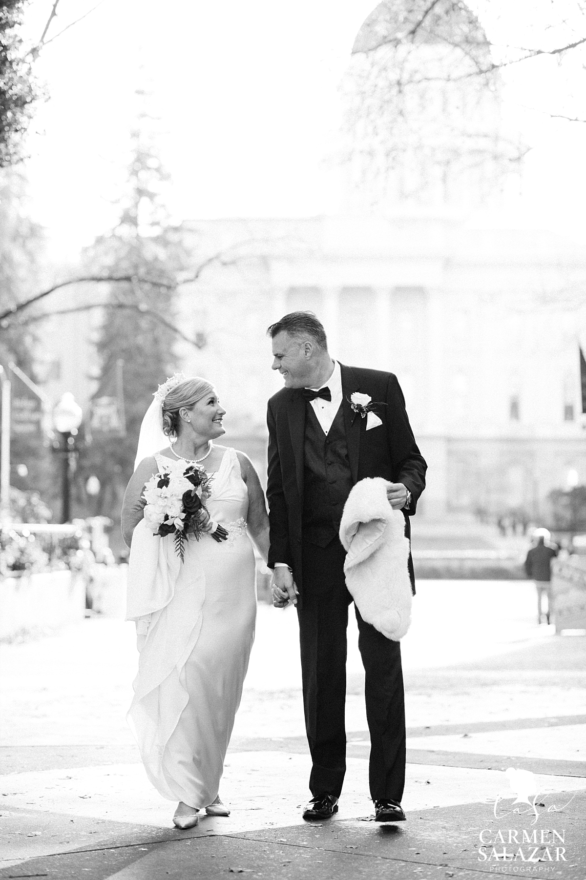 Sacramento Capitol wedding photography - Carmen Salazar