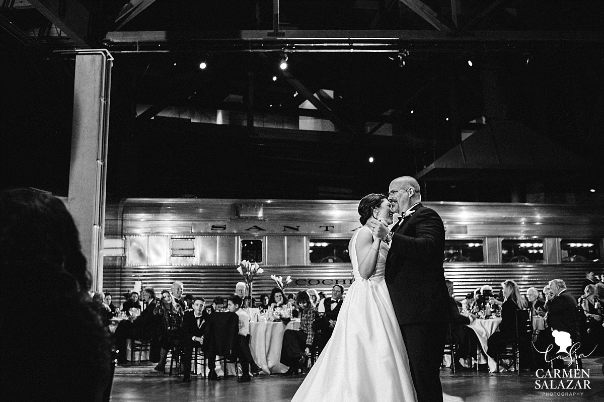 First dance portraits at historic museum - Carmen Salazar