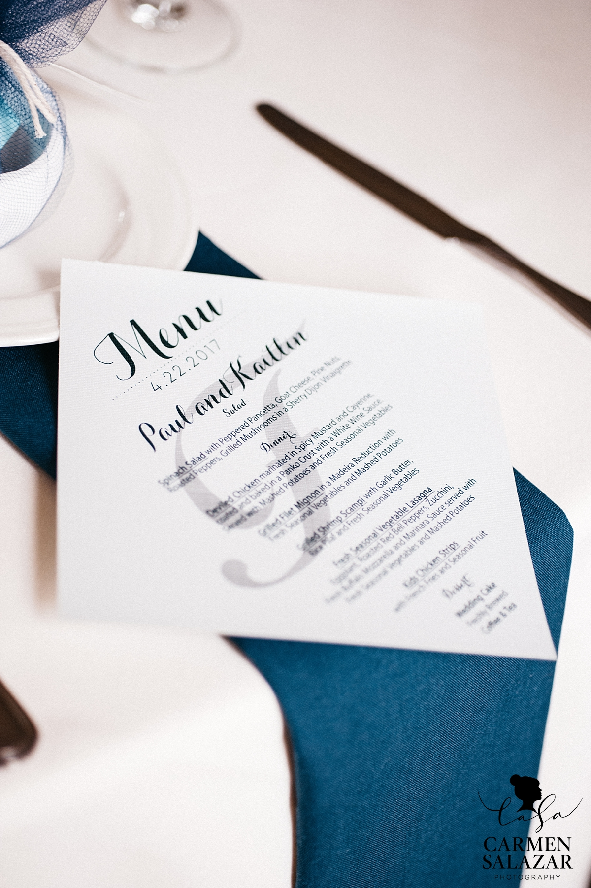 Clean, modern place setting at Vizcaya - Carmen Salazar