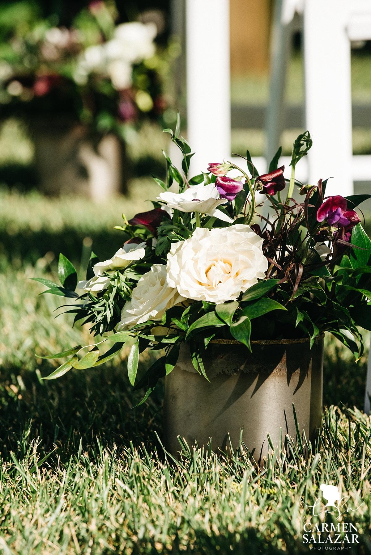 Bloomers Floral ceremony arrangements - Carmen Salazar