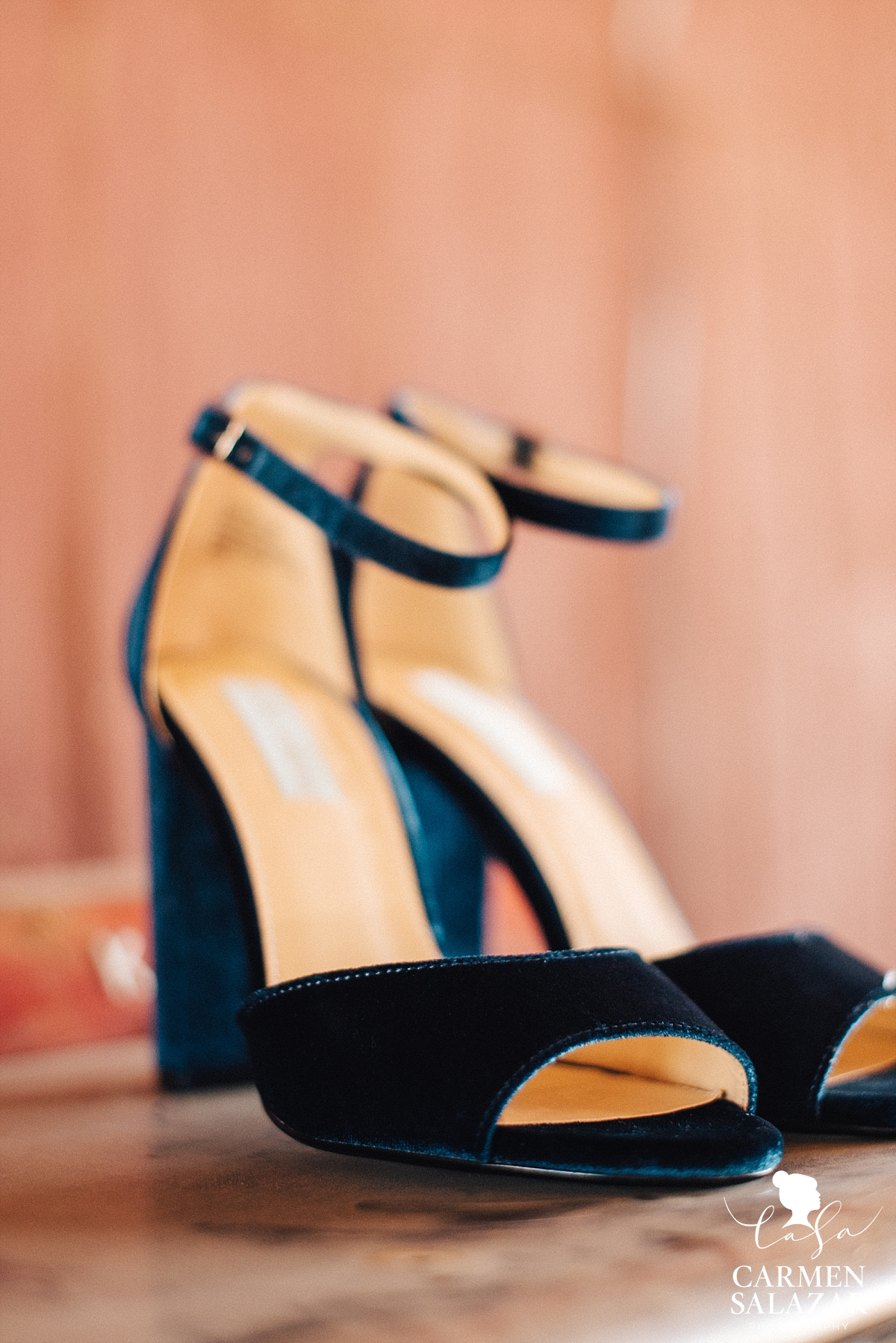 Unique, blue velvet wedding heels - Carmen Salazar
