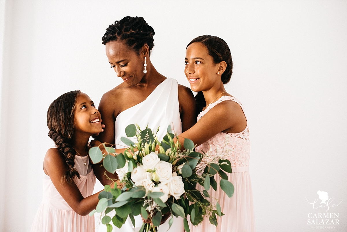 Gorgeous bride with young daughters before wedding - Carmen Salazar