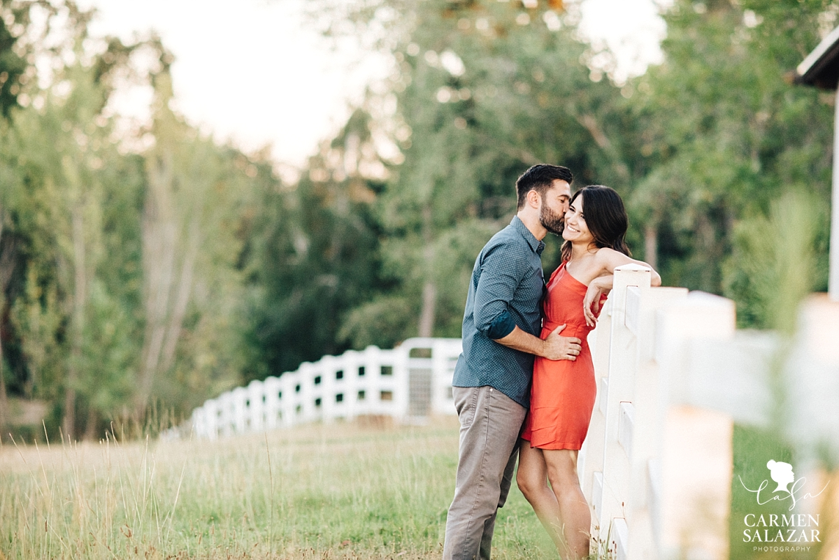Fall Bywater Farms engagement session - Carmen Salazar