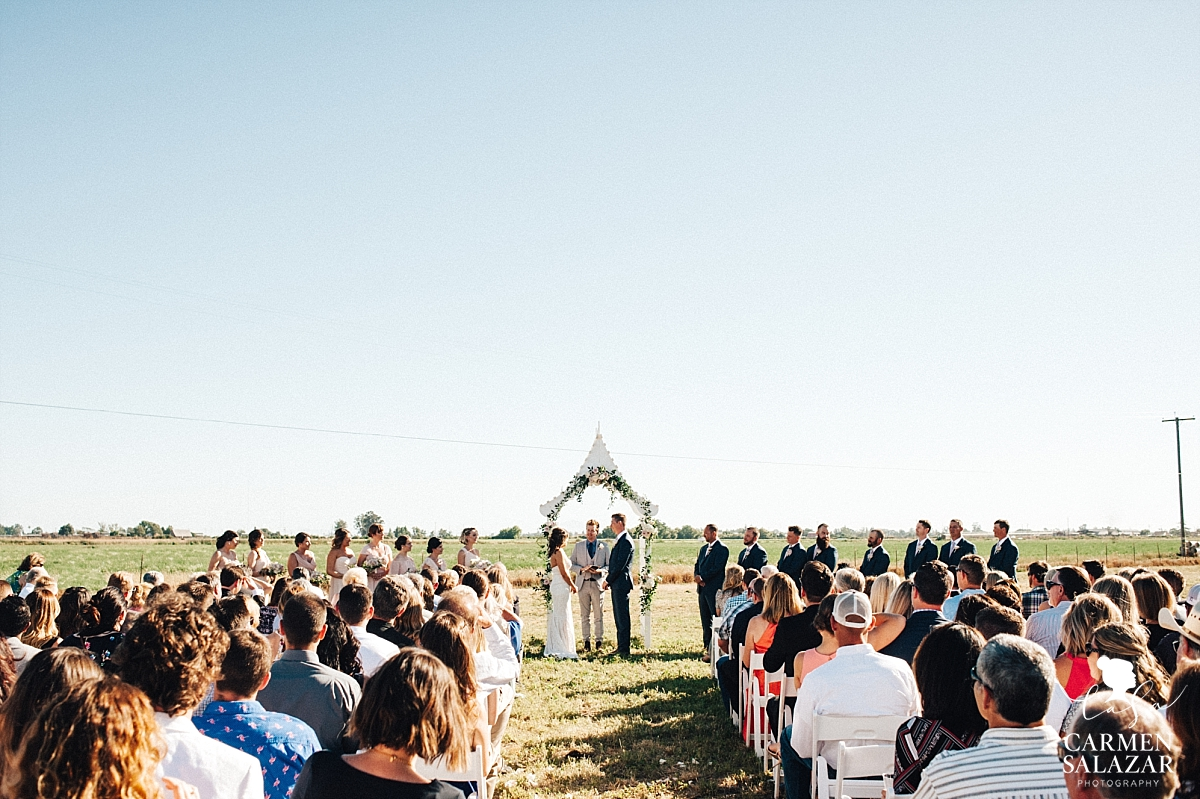 Rustic outdoor summer wedding ceremony - Carmen Salazar