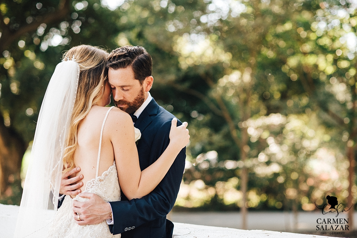 Romantic and candid wedding portraits - Carmen Salazar