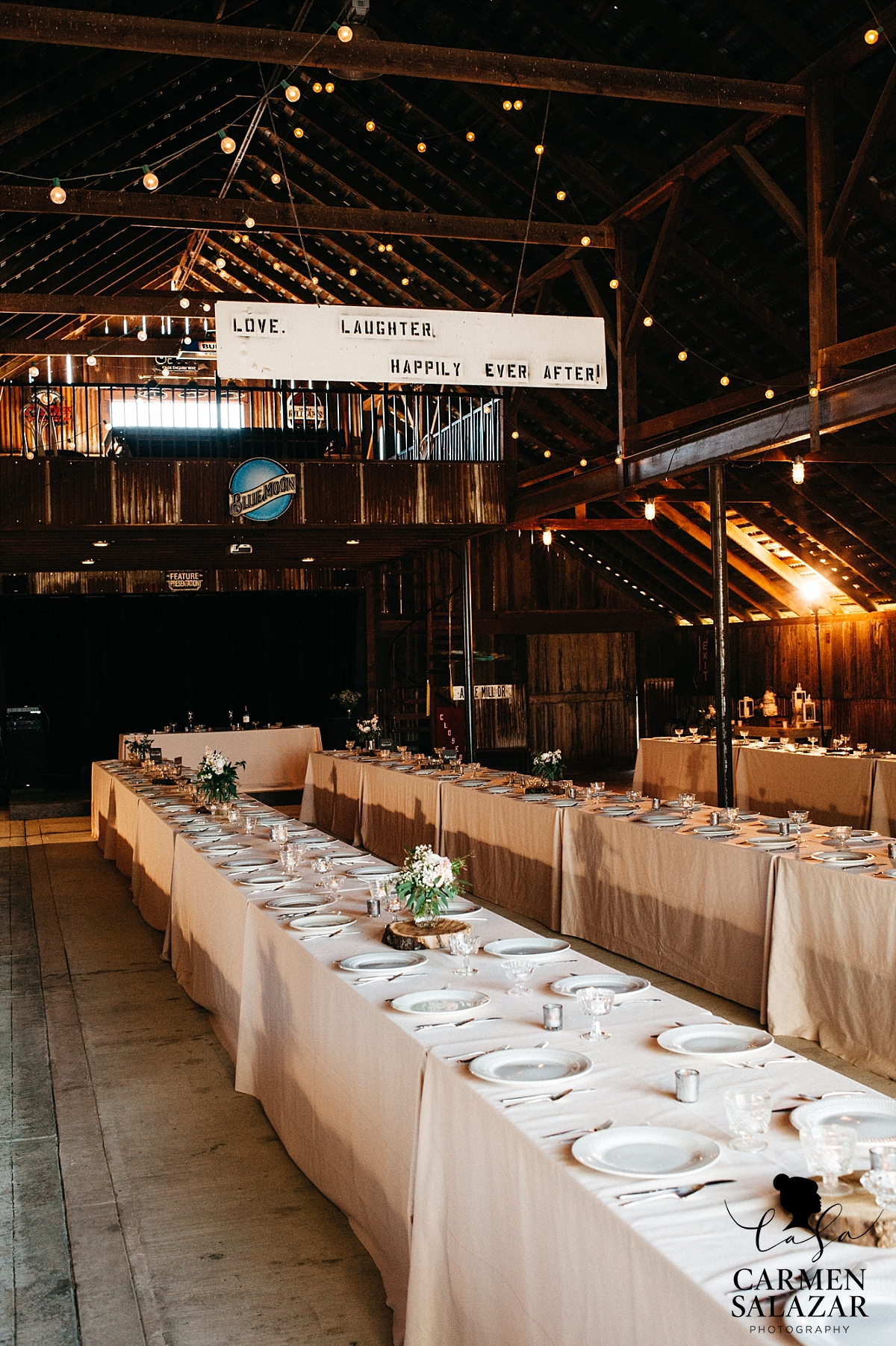 Rustic barn wedding decorations - Carmen Salazar